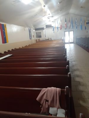 Free church pews for Sale in Camden, NJ