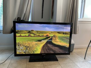 """44"""" Samsung TV for Sale in Los Angeles, CA"""