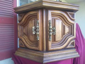 Table End for Sale in Exeter, CA