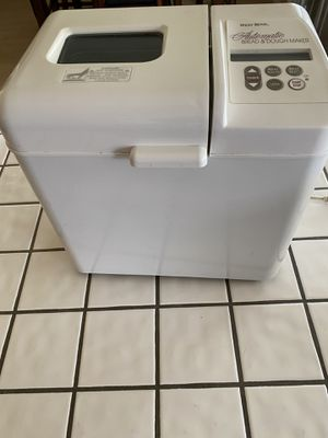West Bend Automatic Bread Maker for Sale in Barstow, CA
