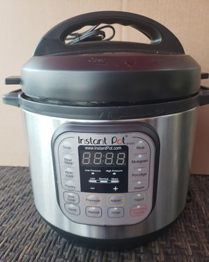 Instant Pot Duo 6qt 7-in-1 Pressure Cooker for Sale in Lawndale, CA