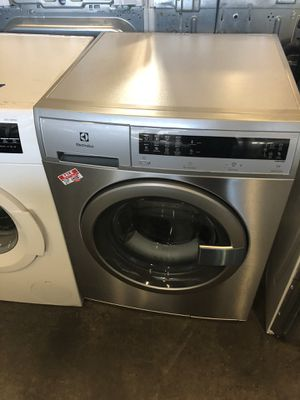 "24"" NEW ELECTROLUX FRONT LOAD WASHER WITH WARRANTY for Sale in Woodbridge, VA"