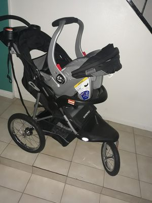 Carreola con su car seat for Sale in Las Vegas, NV