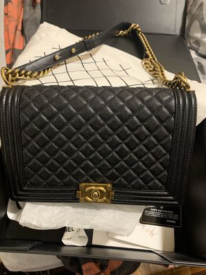 Chanel boy bag new medium for Sale in Baldwin, NY