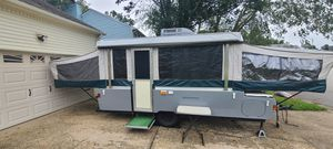 2000 Coleman Mesa Pop-up Camper Trailer for Sale in Virginia Beach, VA