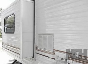 2000 Jayco Quest 270 SCREEN DOORS for Sale in Queens,  NY