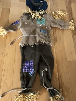 Friendly Halloween Scarecrow Costume, Youth Medium (8-10) for Sale in Sherwood,  OR