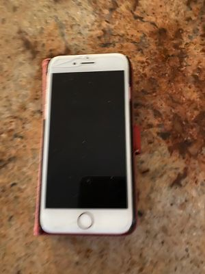 iPhone 7 32gb for Sale in Staten Island, NY
