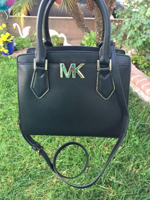 Michael kors messenger bag for Sale in Hawthorne, CA