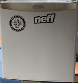 Danby Designer Mini Fridge (refrigerator) With Freezer for Sale in Vancouver,  WA