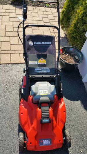 Black & Decker 36v Cordless lawn mower for Sale in Jackson, NJ