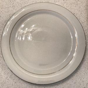 Vintage gold lined dinner plates - set of 4 for Sale in Santa Monica, CA