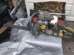 Gas trimmer robi in excellent condition for Sale in Charlotte, NC