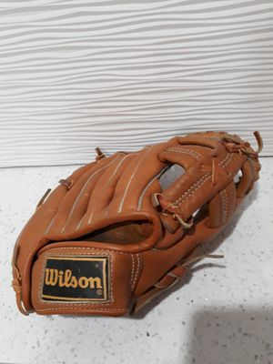 Vintage Wilson glove A2285 Fred Lynn excellent condition for Sale in Miami, FL
