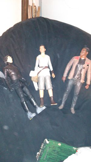 STAR WARS 18 INCH COLLECTABLE ACTION FIGURES for Sale in Montclair, CA
