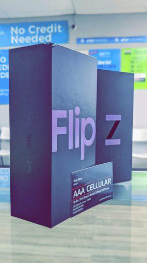 Samsung Galaxy Z FLIP 256GB Factory Unlocked, Brand New in Box / Like New! One Year Warranty! for Sale in Arlington, TX