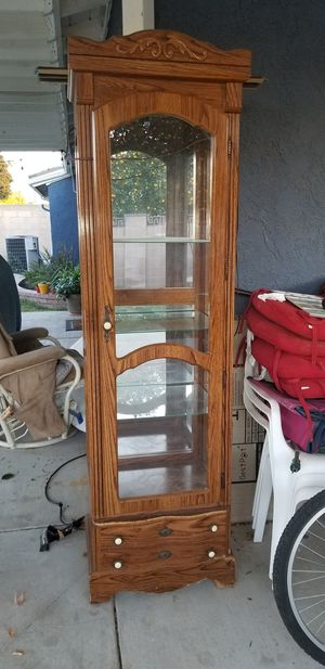 Curio cabinet for Sale in Simi Valley, CA
