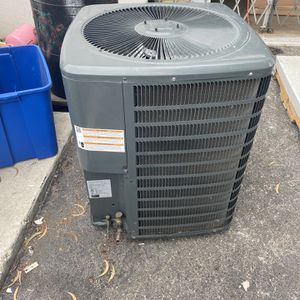 Like New Goodman 2.5 Ton 16 Seer Outdoor Ac Unit for Sale in Fort Lauderdale, FL