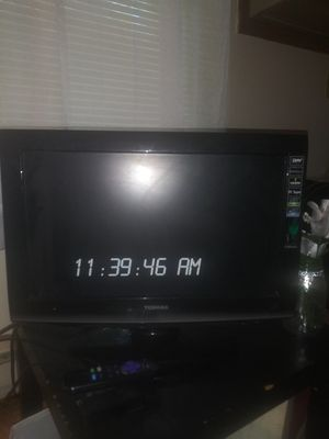 19in SMART TV WITH ROKU DEVICE for Sale in Kent, OH