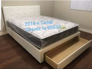 Queen size bed frame for Sale in Chino, CA