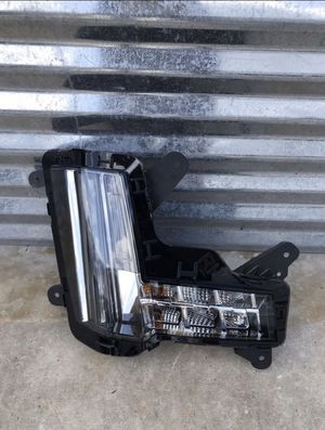 2015 Cadillac Escalade fog light / Signal light for Sale in Dallas, TX
