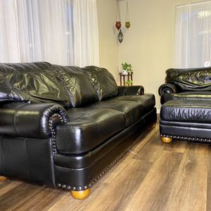 Black Leather Couch Set W/ Loveseat And Ottoman FREE DELIVERY for Sale in Portland, OR