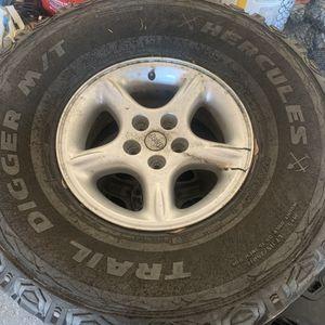 315/75-16 Mud Tires Jeep for Sale in Geneva, FL