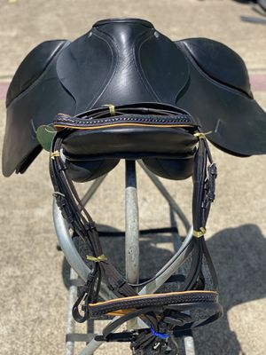 100% leather English saddle black color for Sale in Houston, TX