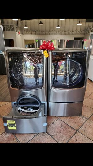 New Samsung5.2 cuft washer & 9.0 ciuft dryer with sidekick pedestal!!!! Only $2199!!!!!!! for Sale in Riverside, CA