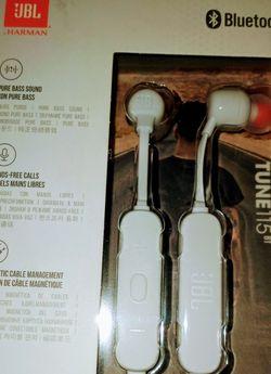 JBL Bluetooth Wireless Headphones for Sale in Anaheim,  CA