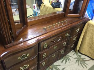 Solid Wood dresser with mirror for Sale in Cleveland, OH