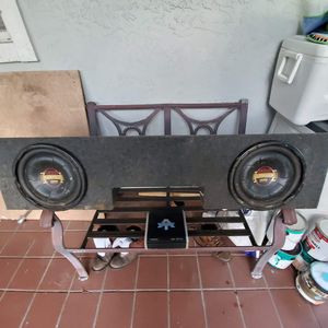Boss Subwoofer with Amp 1200 watt for Sale in Port St. Lucie, FL