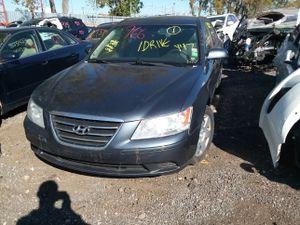 Selling Parts for a 2010 Hyundai sonata for Sale in Warren, MI