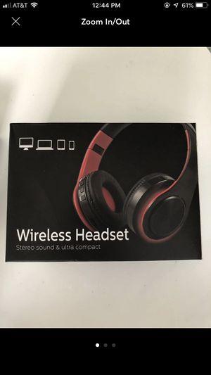 New noise canceling wireless headset for Sale in Danville, PA