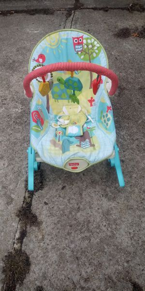 Fisher price vibrating bouncer for Sale in Cleveland, OH