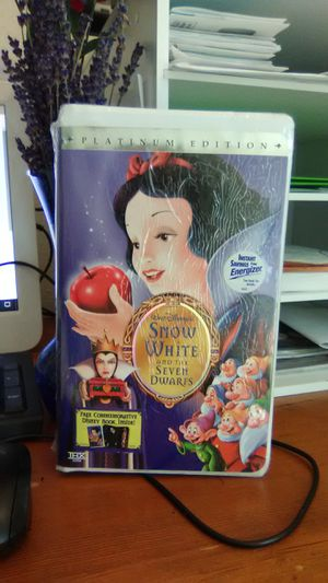 Platinum edition Snow White and seven dwarfs for Sale in Seattle, WA