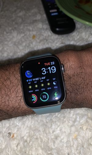 Apple Watch series 5 for Sale in Memphis, TN