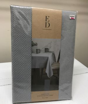 """New Ellen Degeneres """"Brody"""" Tablecloth 70"""" x 70"""" Square Gray Basket Weave Texture for Sale in Wake Forest, NC"""