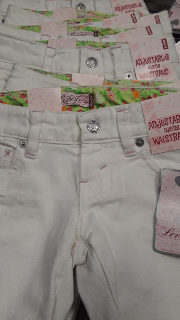 Girls LEVIS Jean shorts 3T and 4T