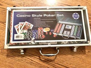Casino style poker set for Sale in Bartlett, IL