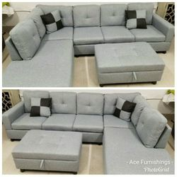 Brand New Light Grey Linen Sectional With Storage Ottoman for Sale in Spanaway,  WA