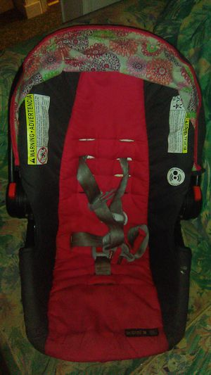 Car seat for infants for Sale in Iva, SC