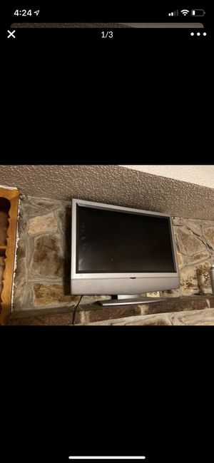 Westinghouse 32 inch tv with remote for Sale in Garland, TX