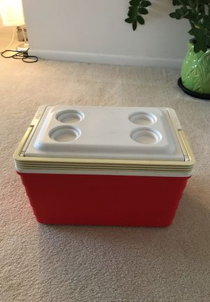 Igloo Cooler for Sale in Lincolnia, VA