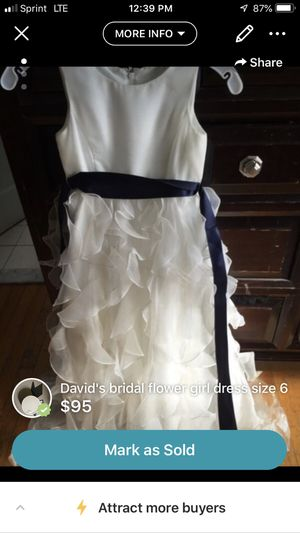 Kids flower girl dress, blue ribbon not attached for Sale in Torrington, CT