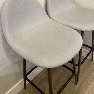 Set of 2 bar counter top table chair stools $75 for both OBO for Sale in Union City, CA