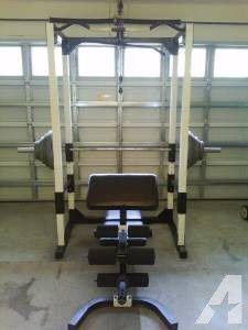 Club Weider 560 Power Rack Gym Set + Bar for Sale in Conyers, GA