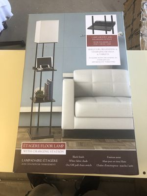 Etagere floor lamp whit charging station for Sale in Las Vegas, NV