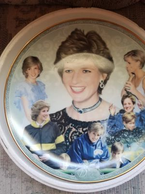 Princess Diana 23 it gold trim, Danbury Mint for Sale in Lakeland, FL