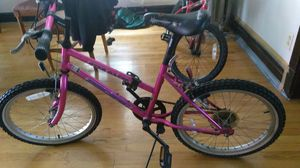 """Little girls mountain bike 20"""" for Sale in Chicago, IL"""